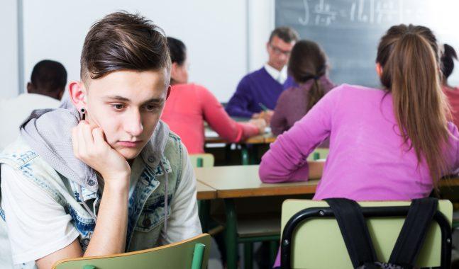 Come capire se tuo figlio è vittima di atti di bullismo e cyberbullismo